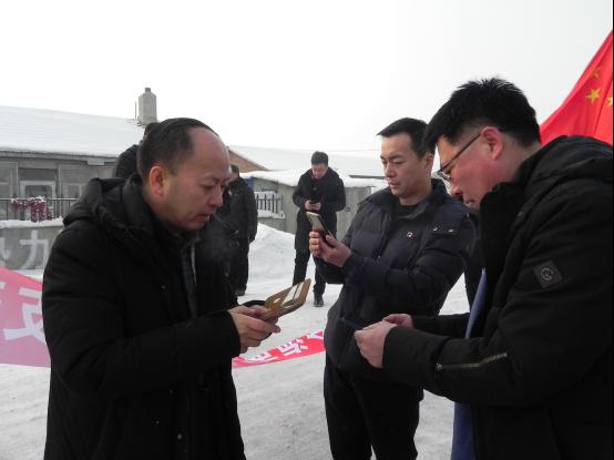 哈尔滨市工商联携手哈尔滨市海南商会赴巴彦县红光乡榆树村开展公益扶贫对接活动